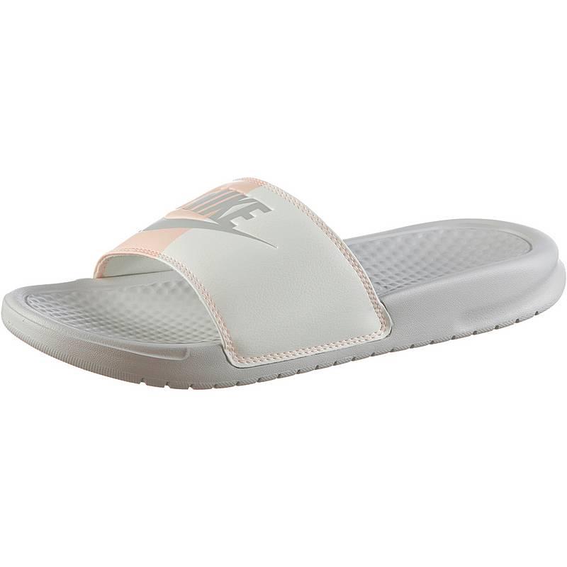 new styles ea72b c4c76 Nike Slides BENASSI Badelatschen Damen light bone
