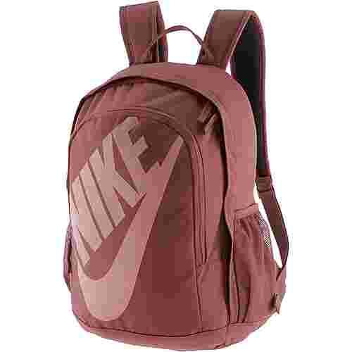 Nike Rucksack Daypack Damen RED SEPIA/BLACK/RUST PINK im Online Shop von SportScheck kaufen