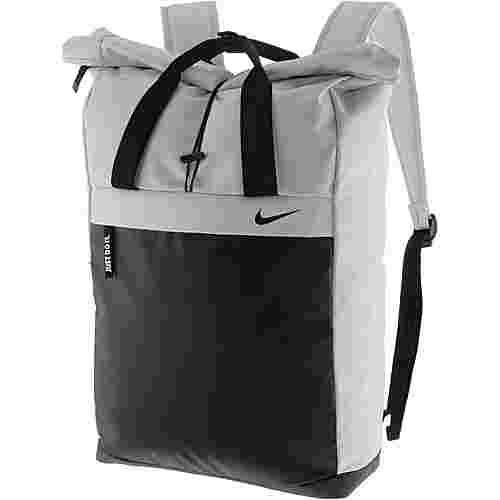 Nike Radiate Daypack Damen vast grey black black im Online Shop von SportScheck kaufen