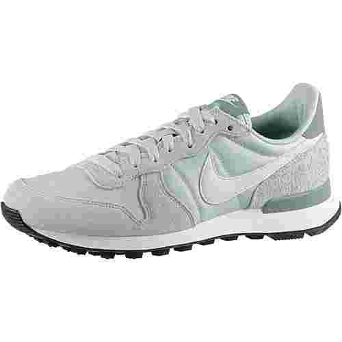 Nike Internationalist Sneaker Damen light silver-summit white-mica
