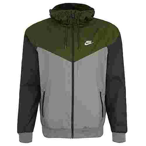 Nike Windrunner Windbreaker Herren oliv grün im Online Shop von SportScheck kaufen
