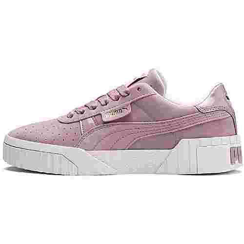 PUMA Cali Nubuck Sneaker Damen elderberry