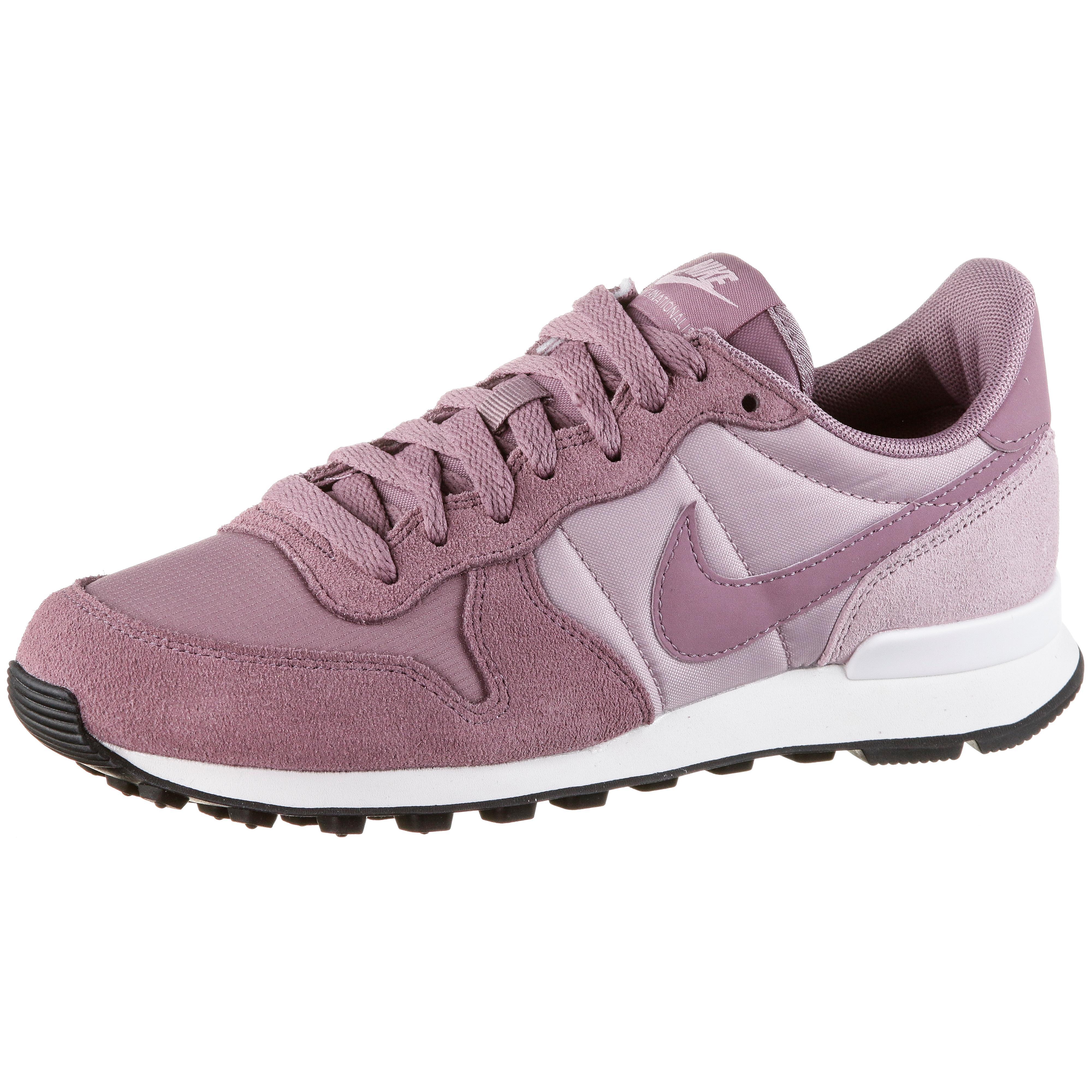 Nike Internationalist Sneaker Damen plum dust plum dust plum chalk im Online Shop von SportScheck kaufen