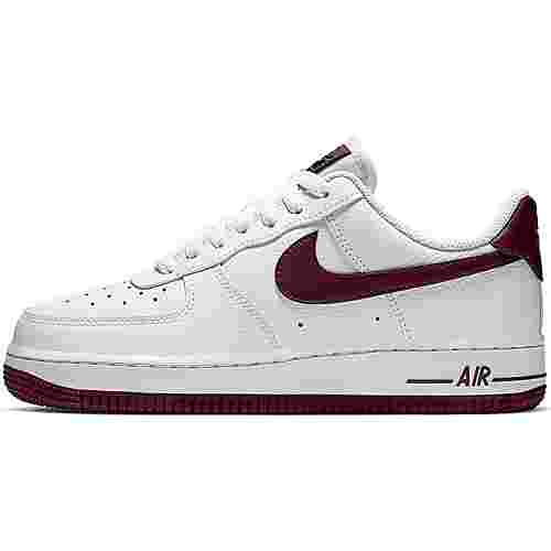 Nike Air Force mit rot
