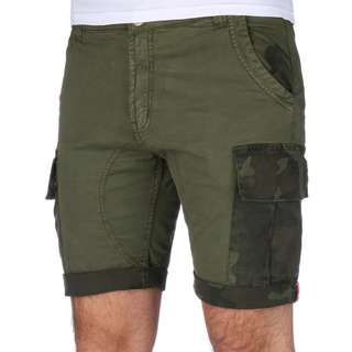 Alpha Industries Camo Pocket Shorts Herren oliv