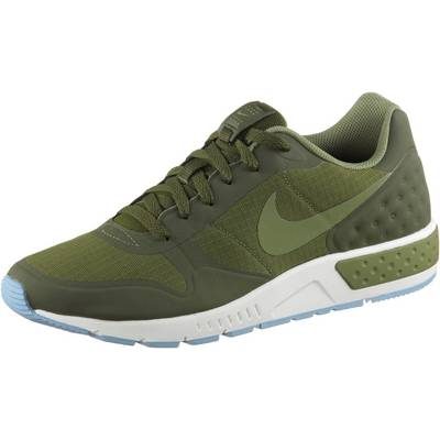Nike Nightgazer LW Sneaker Herren olive