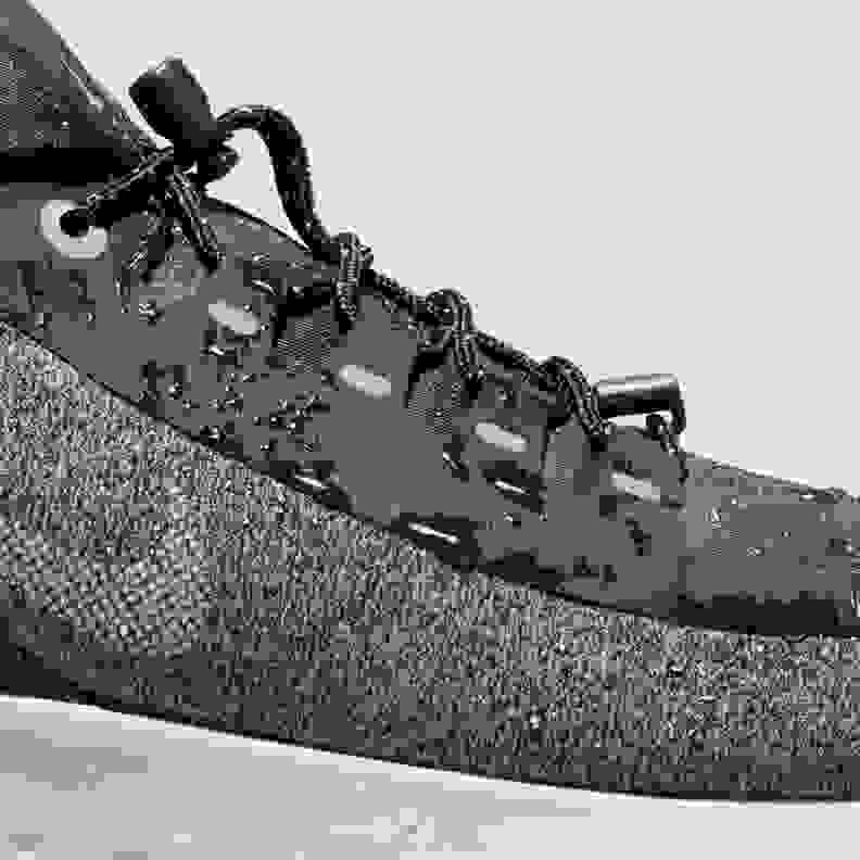 Nike Odyssey React Shield Laufschuhe Damen black metallic silver cool grey vast grey im Online Shop von SportScheck kaufen