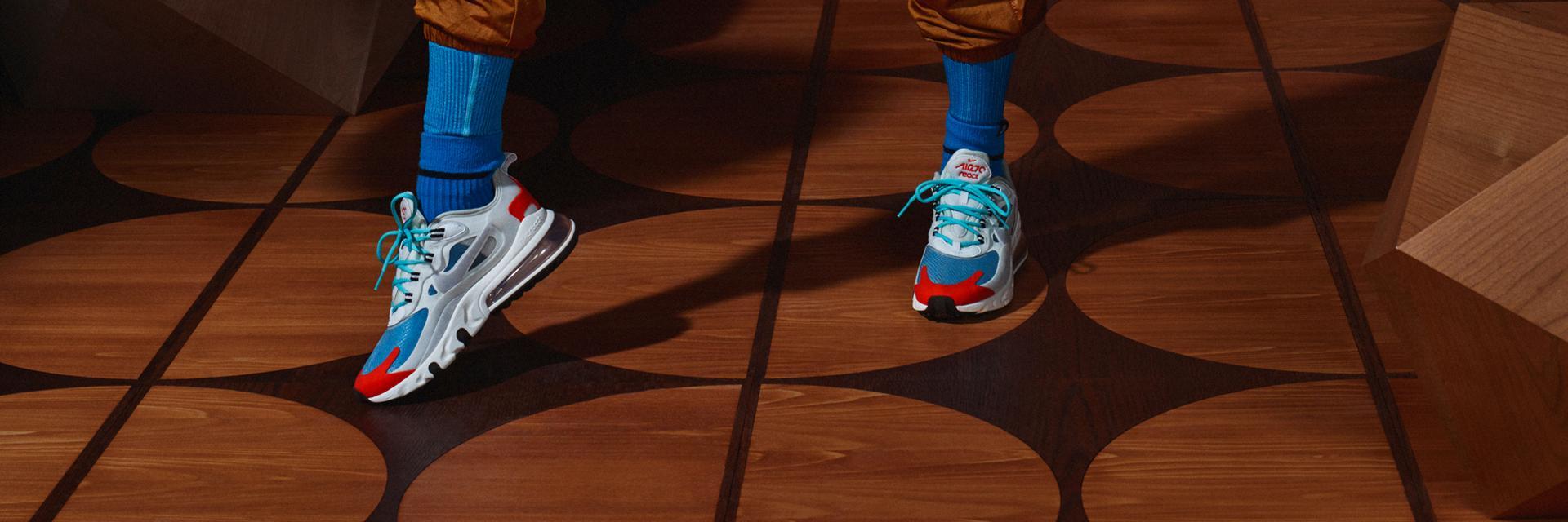 Nike Air Max 270 React Sneaker Damen white light blue aurora green im Online Shop von SportScheck kaufen
