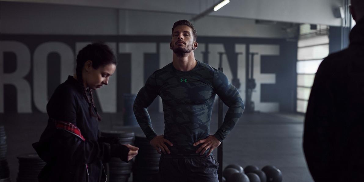 Ein Mann und eine Frau beim Training