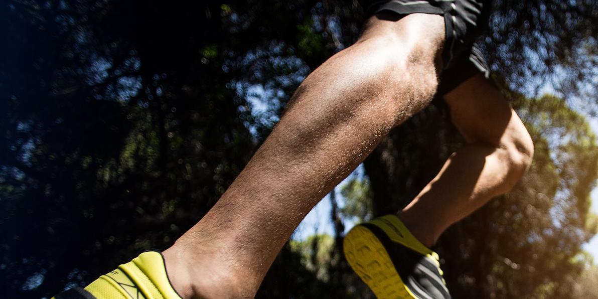Technik und Übung beim Sport: Trailrunningschuhe in der Nahaufnahme.