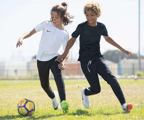 Kinder Fussball