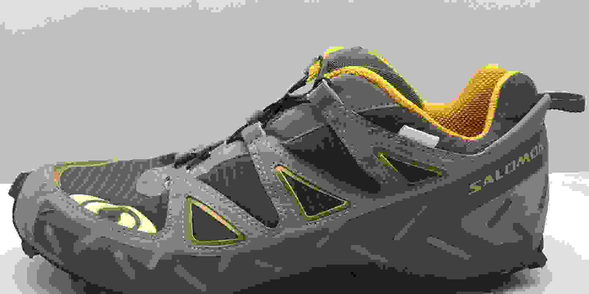 Der Salomon Speedcross 3 GTX in Blau in Nahaufnahme.