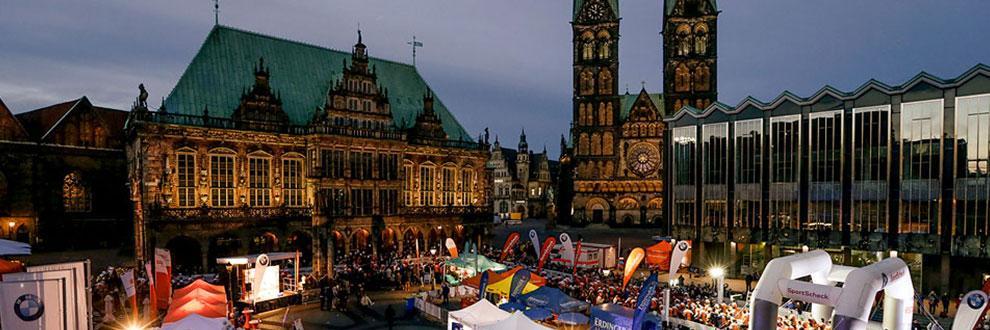 Überblick über das Start/Ziel Areal beim Nachtlauf Bremen.