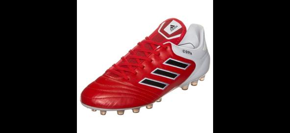 Ein adidas Copa 17.1 AG Fußballschuh in rot/weiß