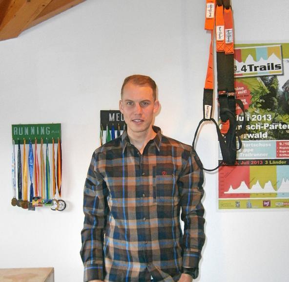 Trailrunner Michael Arend im Portrait aufgenommen.
